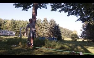 Jake Slacklining on Macaco Slackline